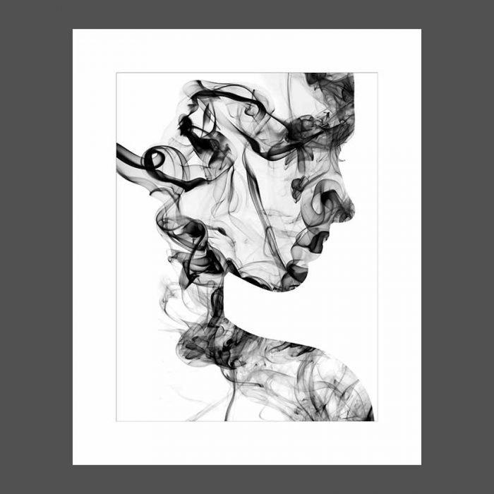 Smoking woman stampe d'arredo